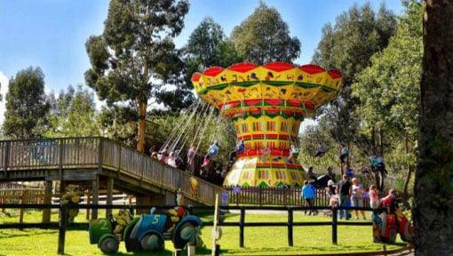 People having fun on the Twister Ride